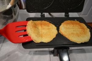 krumkake_baked spatula
